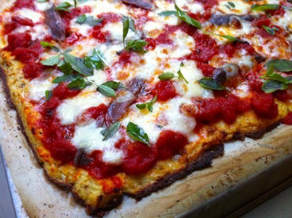 De wonderbaarlijke uitvinding van de bloemkoolpizzabodem | etenenzo