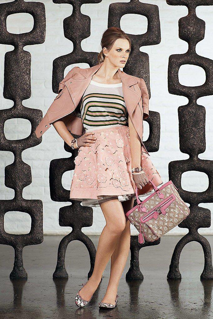 Louis Vuitton Resort 2011 Collection Photos - Vogue