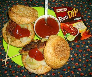 W Mojej Kuchni Lubię..: pietruszkowo-cebulowe mielone na patyku z party di...