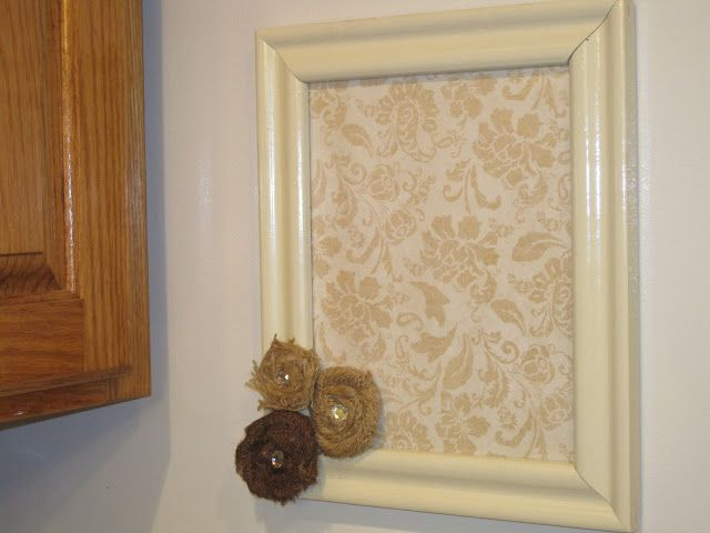 Decorated Chaos: DIY Dry Erase Board ~~ I'm actually going to do this RIGHT now (have the frame and paint already out!)
