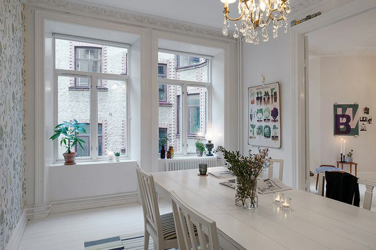 Scandinavian feminine apartment