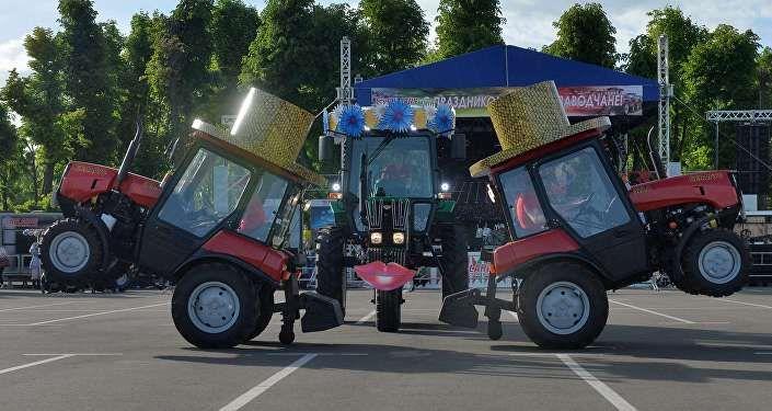 Танцующие тракторы Беларус