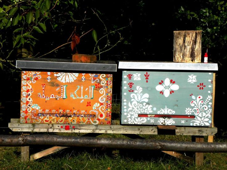 Hand painted hives | Natural Beekeeping Trust