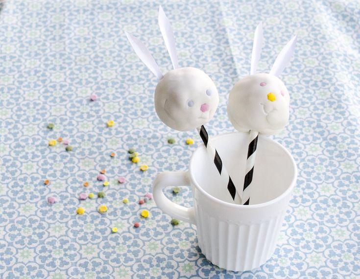 Nagymamák, és kisgyerekes anyukák, hajrá, vár a nagy húsvéti sütinyalóka gyártás! És ha húsvét, akkor legyen nyuszis, nem igaz? Egy percig sem...