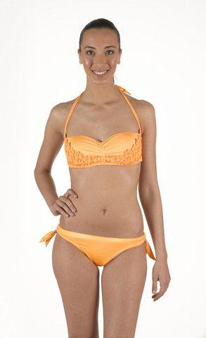Bikini in Lycra a Fascia effetto delavè. Tinto in capo effetto vintage. Coppa con imbottitura estraibile e slip laccetti regolabili con perline | Eleonora Lingerie