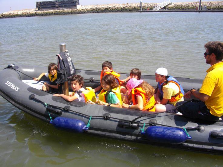Com o nosso Curso de Pequeno Marujo dê aos mais pequenos uma festa de Aniversário para relembrar! Vão adorar o passeio de barco!