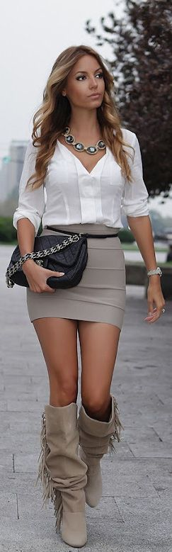 Bella B at Fashion Week in Belgrade :: http://www.mypackingstylist.com/las-bellas-fashion/las-bellas-fashion-bella-b-at-fashion-week-in-belgrade/ (Skirt is too short for me now-a-days but I still like the look)