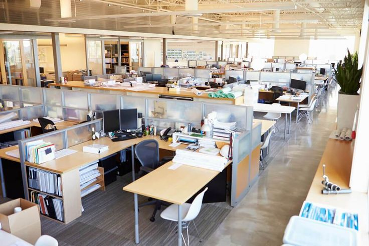 Faltas ou atrasos afetam diretamente no nível de produtividade dos profissionais, no aumento dos custos e o número de clientes insatisfeitos.