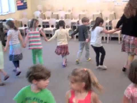 Shoo Fly - Circle game for Kindergarten - 2nd grade
