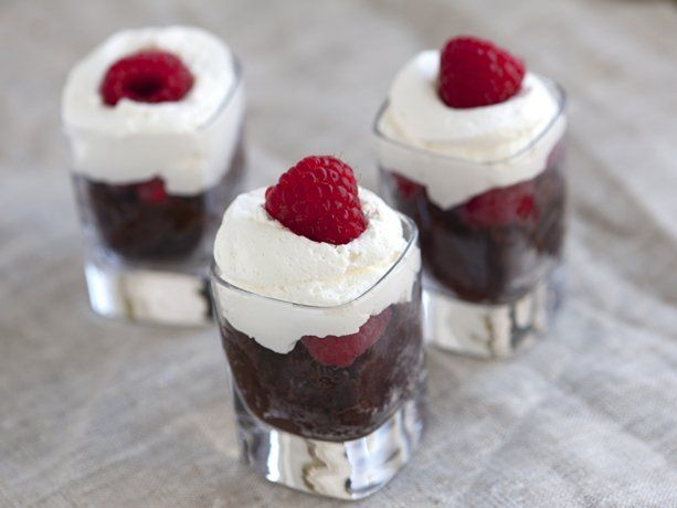 Chocolate Cake And Cream Shooters