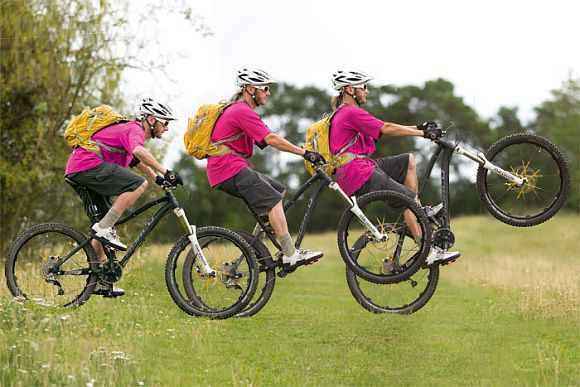 Mtb Driving Technique Tips Wheelie With The Bike