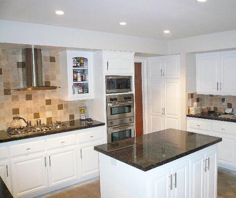 Kitchen Range Hood Focal Point Idea