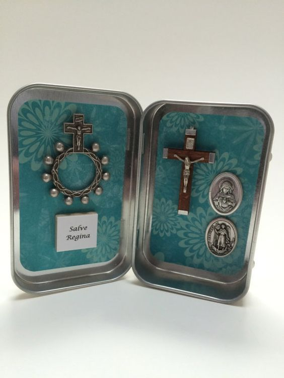 """What a wonderful idea! It's a little """"Pocket Shrine."""" You could get very creative with this, and utilize your favorite devotions. Beautiful and a great encouragement to pray more often!"""