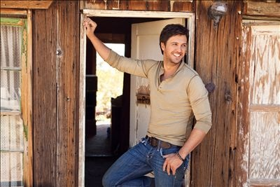 Love me some Luke Bryan!!!