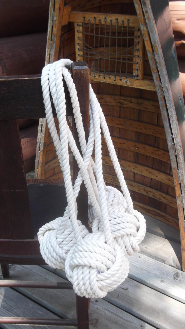 Best 25 nautical wedding decor ideas on pinterest for Nautical rope decorating ideas