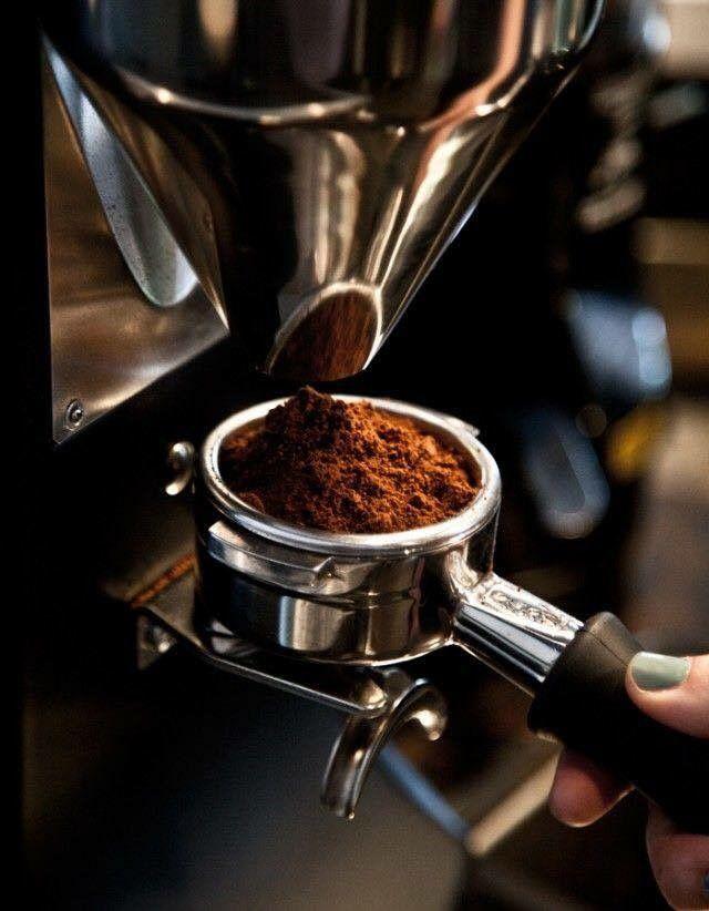 Πριν πάτε στην δουλειά σας το πρωί, μην ξεχάσετε να κάνετε μια στάση στο Clemente VIII Cafe για να πάρετε τον αγαπημένο σας καφέ στο χέρι! Μμμμ απόλαυση! #ClementeCafe #CityLink #ClementeVIII #Coffee #FourSquare #Athens #ClementeAthens #AthensCafe #CoffeeInAthens #BestCoffee #AthensCoffee #CoffeeTime