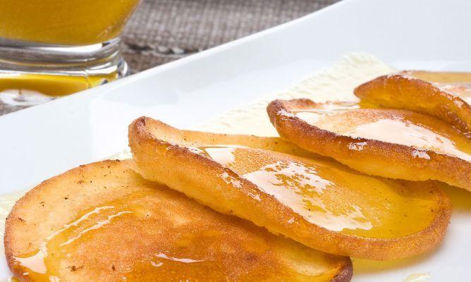 Receta de Tortillas canarias de carnaval con miel y canela