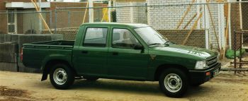 Toyota Hilux Double Cab 2WD '1988–2005