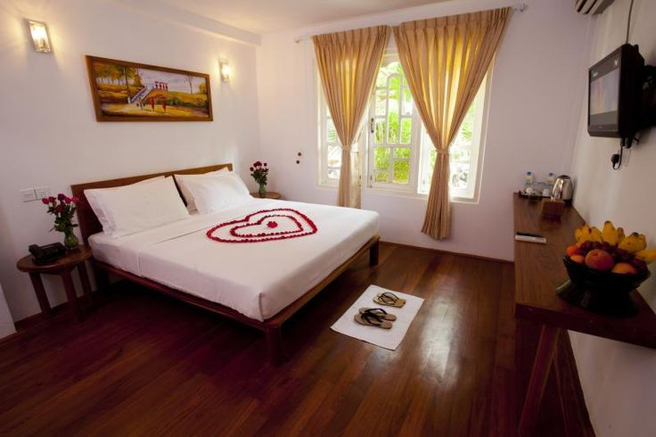 Bagan New Wave Guest House Myanmar, Asia Set in a prime location of Bagan, New Wave Guest House puts everything the city has to offer just outside your doorstep. Featuring a complete list of amenities, guests will find their stay at the property a comfortable one. Service-minded staff will welcome and guide you at the New Wave Guest House. Comfortable guestrooms ensure a good night's sleep with some rooms featuring facilities such as television LCD/plasma screen, internet acce...