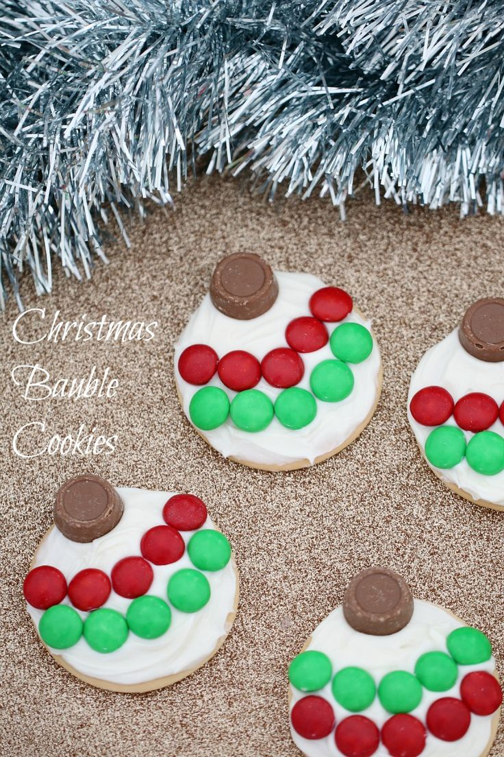 Try these 5 Minute Christmas Bauble Cookies - Yum! These types of cooking activities are great to discuss describing words and textures, and to encourage your child to use phrases or sentences! Introduce vocabulary to your child such as spread, smooth, crunchy and encourage your child to repeat the words back to you in a phrase e.g. spread the icing, it's smooth icing!