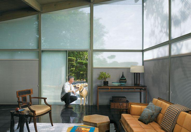 Cortinas Duette - Modelo 2- No verão, a cortina inibe a entrada de parte do calor no ambiente. No inverno, impede a fuga do calor de dentro de casa. Já quanto ao conforto acústico, o produto pode absorver o som em até 70% devido ao formato celular, com células simples, duplas, triplas e Architella (célula dentro de célula).  Soho Design - Luxaflex. #Design #Decoraçao #DesignLovers #Arquitetos