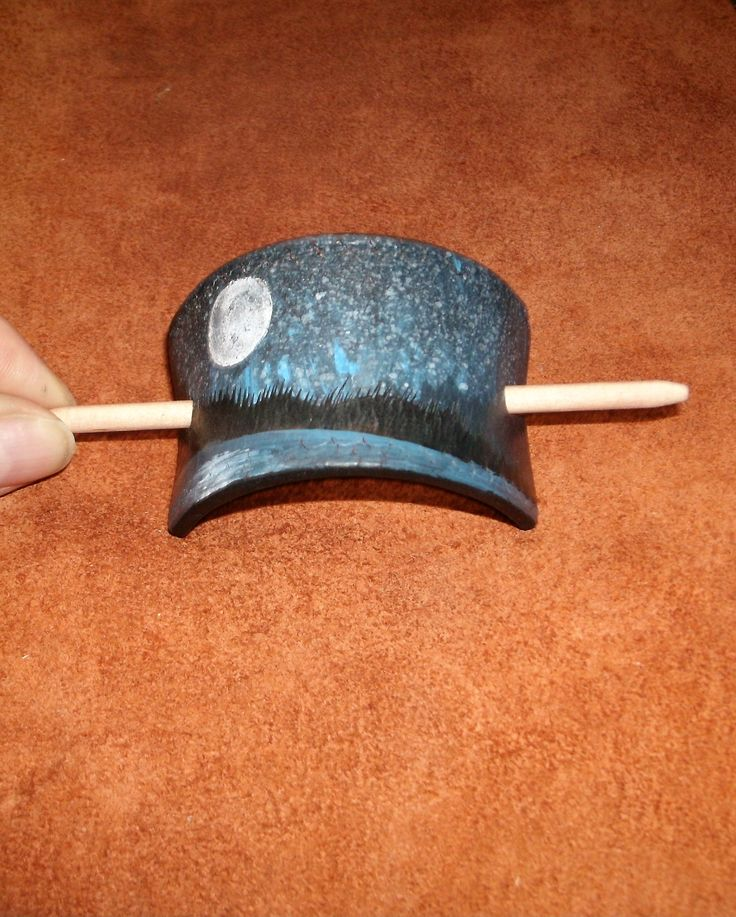 Hand Painted Upcycled Leather Hair Barrette / Barrette en Cuir Recyclé Peint à la Main $12.00