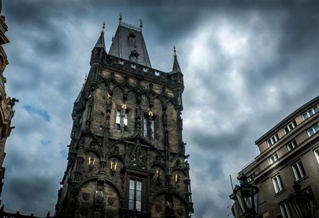 Kudy z nudy - Prašná brána v Praze