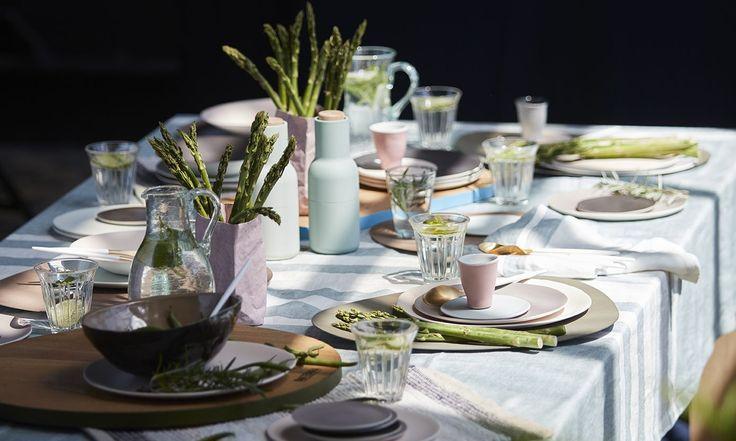 Już tylko kilka dni dzieli nas od Świąt Wielkiejnocy. Oprócz porządków, zakupów i posiłków planujemy dekoracje stołu. To jeden z przyjemniejszych aspektów przedświątecznego zamieszania. Wielkanoc o…