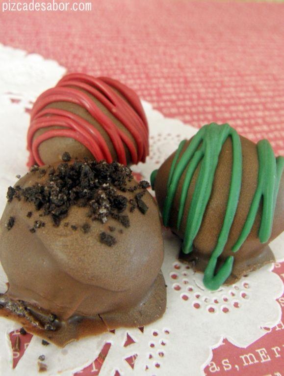 Yo ya las he hecho y salen deliciosas ❤     Aprende a preparar con este paso a paso unas deliciosas trufas de galletas Oreo y queso crema, perfectas para regalar esta Navidad, cumpleaños o para cualquier evento.