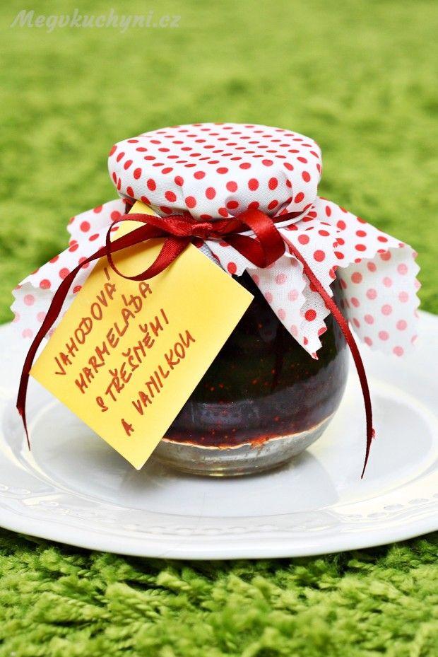 Jahodovo - třešňová marmeláda s vanilkou