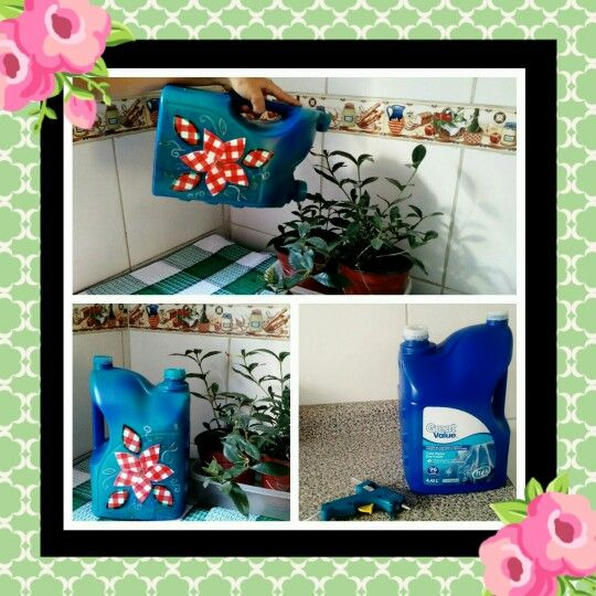 Detergent bottle recycling. Watering can. Botella de detergente reciclada. Regadera