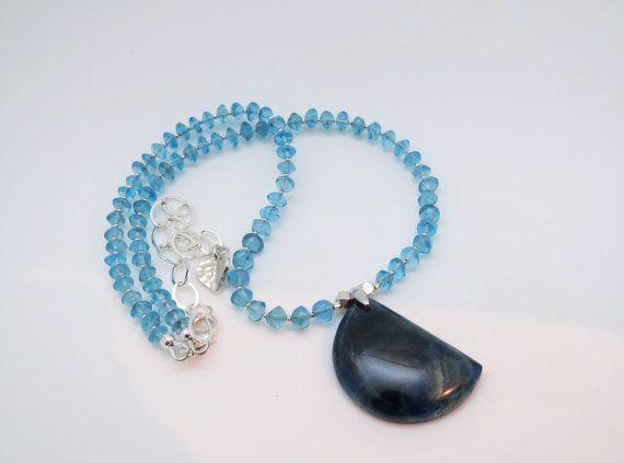 Collier d'Apatite bleu caraïbe translucide pendentif par Bijoubicou