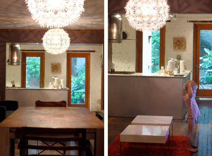 Kök med bardisk mot matplats/vardagsrum