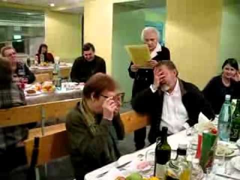 профессор читает сочинение абитуриента про В.И.Ленина
