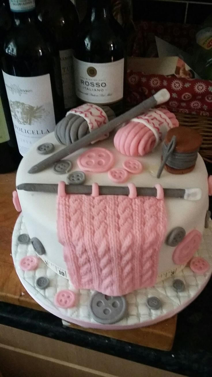 Ladies knitting and sewing birthday cake made by Klaras cakes