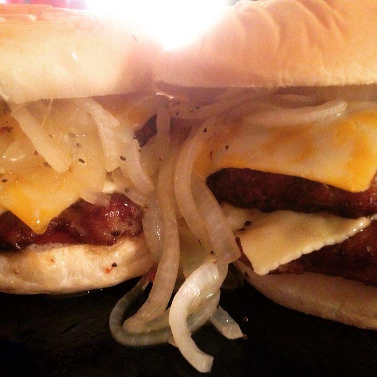 The Big Wisconsin Burger! 1 Johnsonville Brat Patty 1 Lean