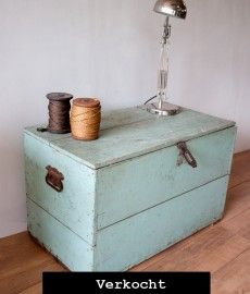 oude houten kist als salontafel