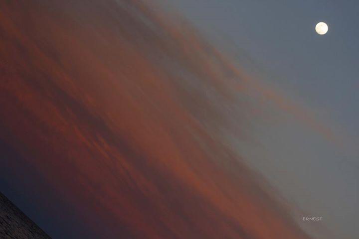 Ernesto Alejandro Alvarez: Rio..cielo ..y luna lindo atardecer el de ayer...