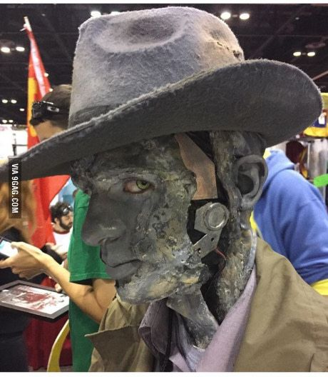 Cosplay done right! (Nick from Fallout 4)