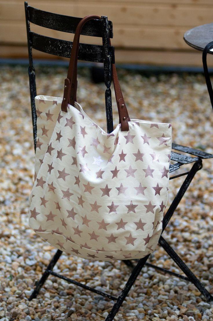 #bolsa loneta con estrellas doradas en #nelybelula