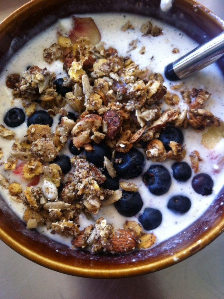 Guten Morgen ihr Lieben und einen wunderschönen Start in die neue Woche! Ich denke mir jeden morgen aufs Neue, wie könnte ich besser in den Tag starten als mit meinem Proteinquark, Früchten und ein...