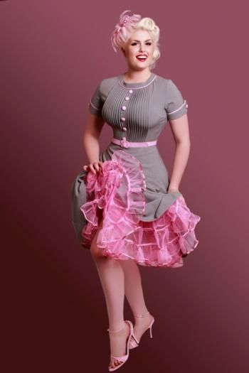 pink and grey dress....if I could dress like thIS everyday I WOULD!