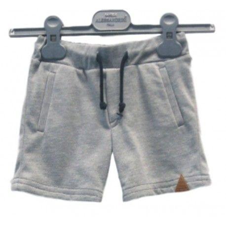 SHORTS ALESSANDRINI KIDS, Shorts da bambino di Alessandrini Kids comodi e pratici, in tessuto felpato di colore grigio melange, elastico in vita, coulisse, e due tasche laterali. Un grazioso shorts di Alessandrini Kids per la massima praticità nella vita di tutti i giorni. #alessandrinikids #danielealessandrini #shorts #pantaloncini #abbigliamento #vestiti #bimbo #bambino #ragazzo #kid #junior #baby #teen #child #children #abbigliamento #clothing #shoponline #ecommerce #fashion #moda #saldi