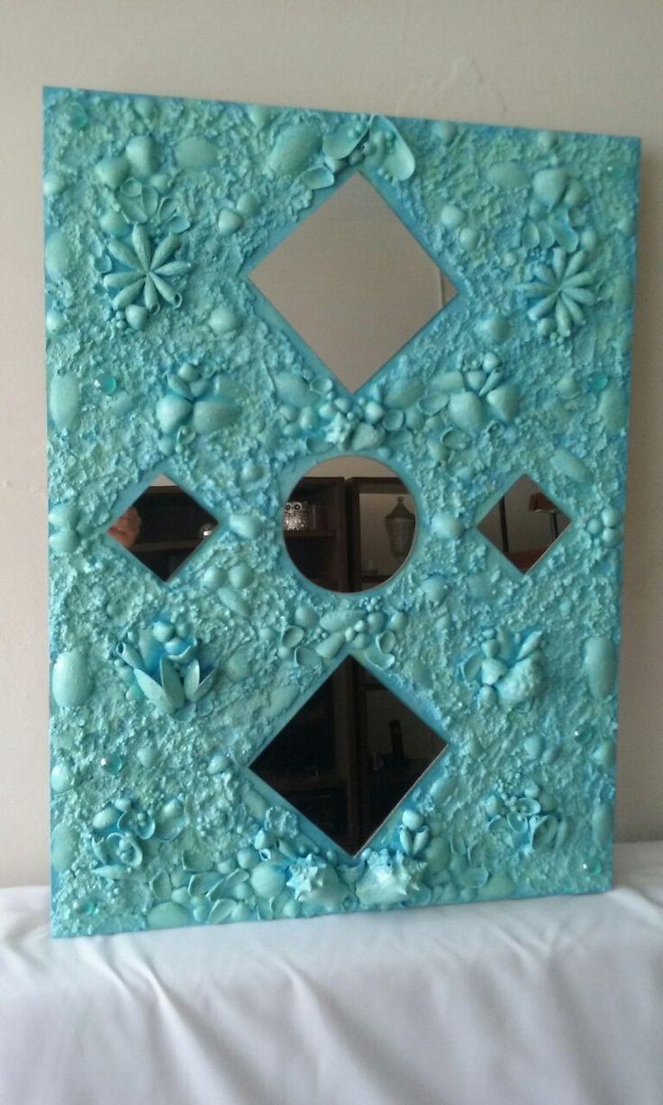Quadro com conchas e espelhos - Flávia Mila mosaicos