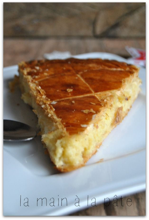 Best 20 galette des rois frangipane ideas on pinterest for Decoration galette des rois frangipane