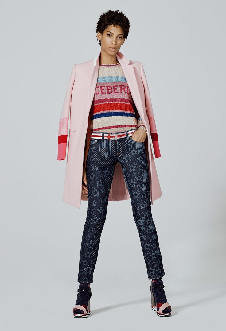 See the complete Iceberg Pre-Fall 2017 collection.
