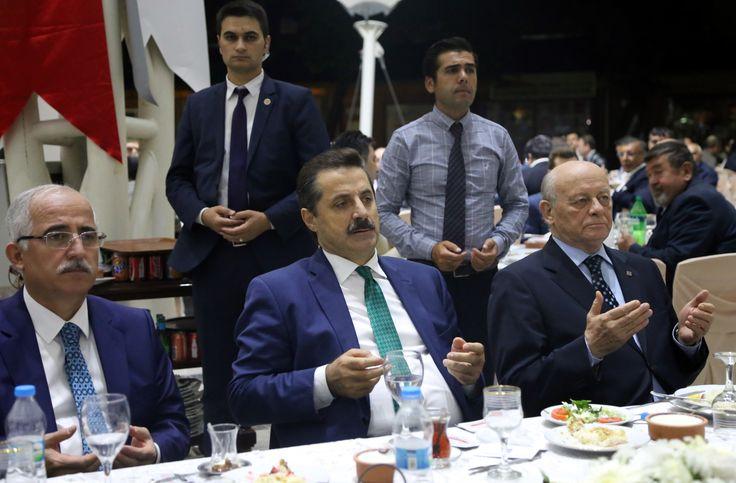 Gıda Tarım ve Hayvancılık Bakanı Faruk Çelik Eskişehir'de Eskişehir Sanayi Odası ve Eskişehir Organize Sanayi Bölgesi'nin düzenlediği iftar programına katıldı. [15 Haziran 2016]