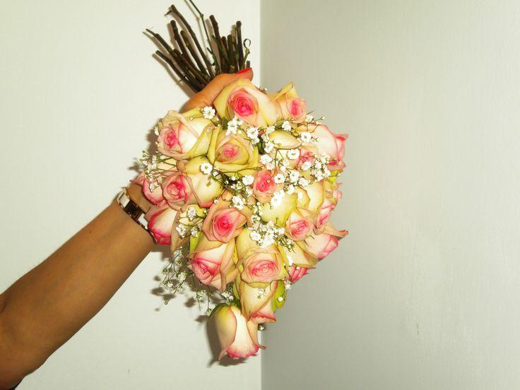 Ramo gota de rosas.