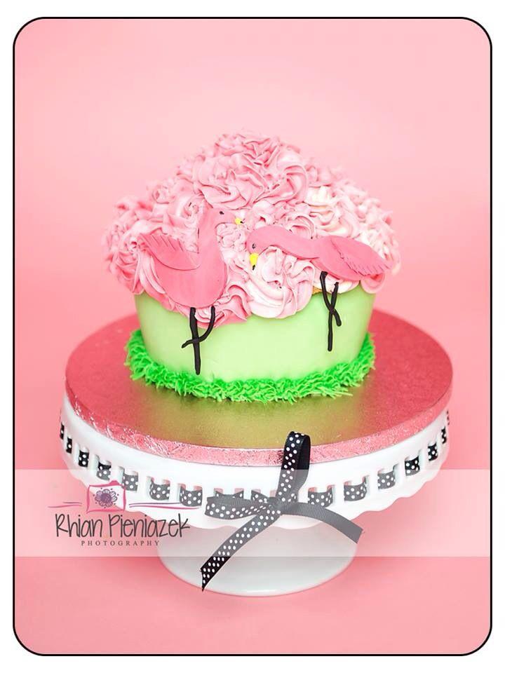 Pink flamingo cake. Cakes By Helzbach. Rhian Pieniazek Photography.