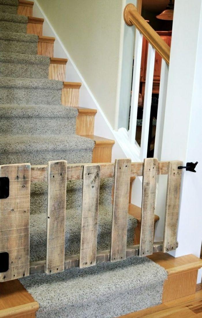 barrière escalier en palette